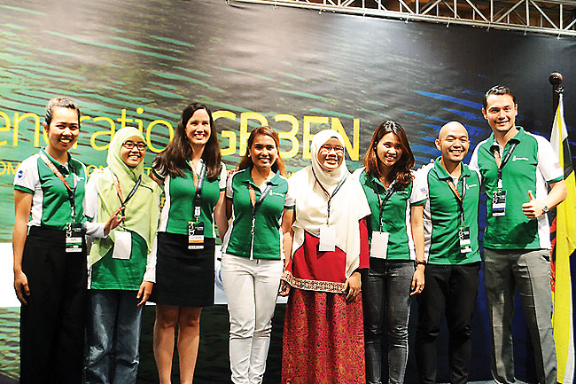 Team ACES in a group photo with Catherine Muller and Cherrie Atilano, Founder and President of AGREA