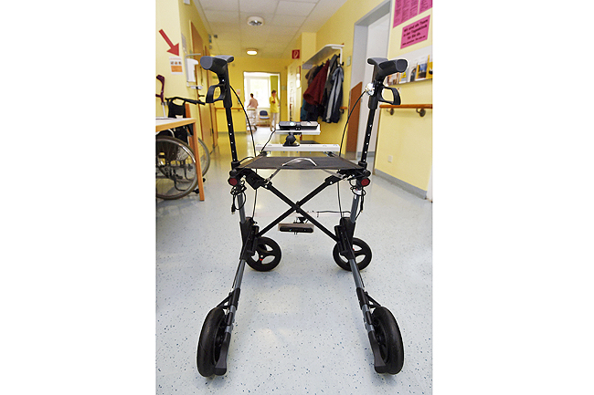 Photos above and below show ModESt, a three-year research project that is hoping to harness digital technology to make wheeled walkers safer. Though wheeled walkers are meant to lower the risk of falling, they can sometimes cause a fall. Users who lean forward too far, for example, can tip themselves over
