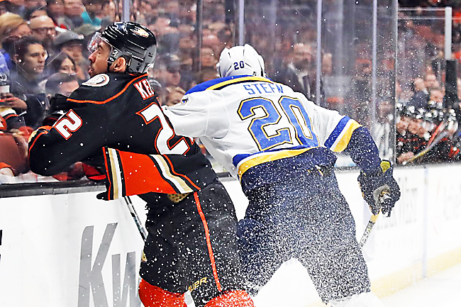 Blues top Ducks 4-2 in key battle for playoff position