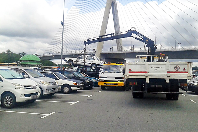 Enforcers haul 12 abandoned vehicles; Fines and compounds for waste