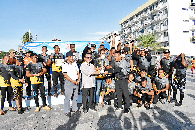 MS PDB dominant in traditional boat race (2019)