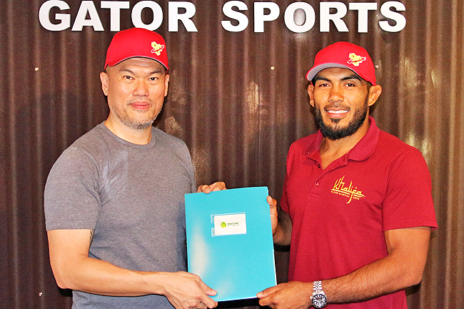'Eazy' Anuar signs one-year deal with Gator Sports (2019)