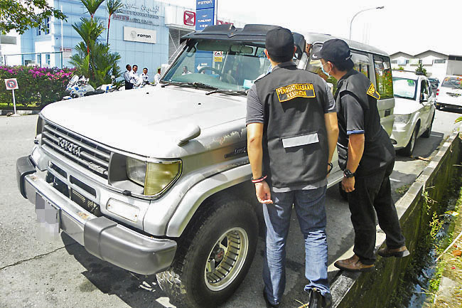 Ops targets foreign-registered vehicles without pass sticker (2020)