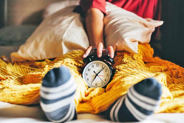 Tips to stop 'revenge bedtime procrastination' | Borneo ...